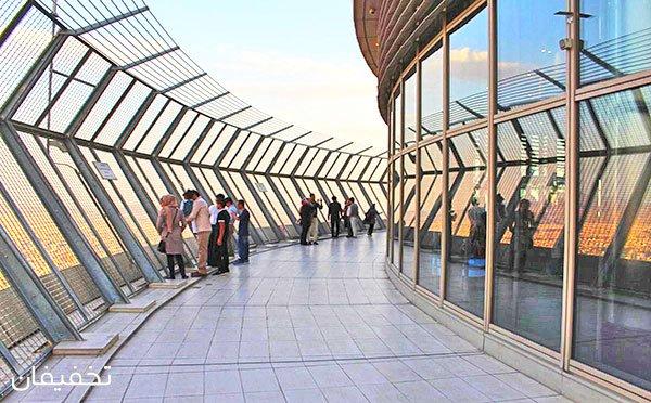 آسمان نزدیک است: بازدید اختصاصی از برج میلاد تهران شامل سکوی دید باز در ارتفاع ۲۸۰ متری، گنبد آسمان، موزه شهرداری و موزه مشاهیر  با ۲۰% تخفیف